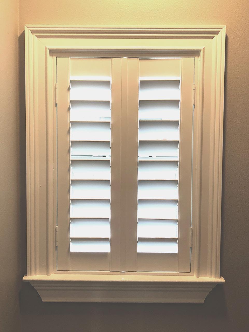 Skandia split tilt shutters